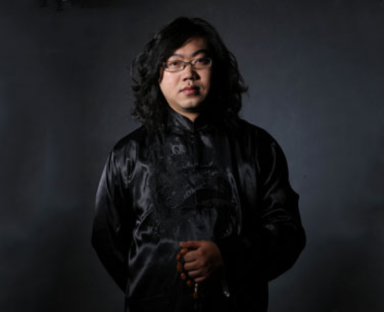 核雕艺术大师周春毅:核雕要走出新路