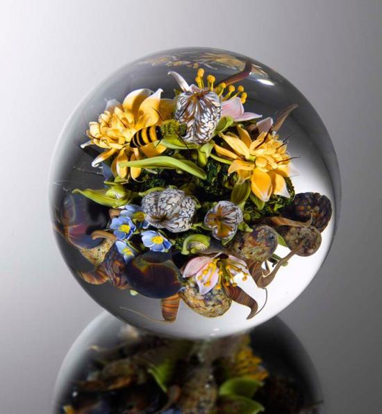 玻璃雕塑艺术 玻璃球中的世界